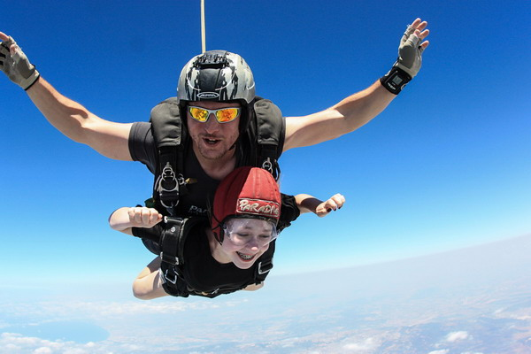 Lior's skydive