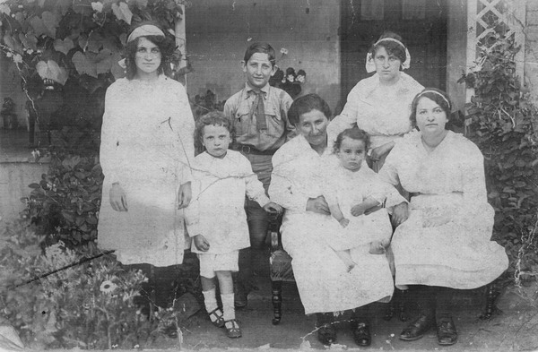 Levy family 1917