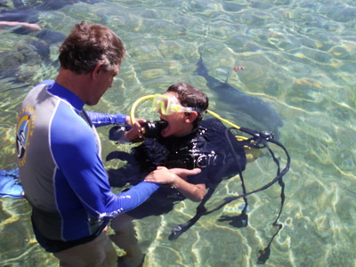 Itamar;s first diving lesson